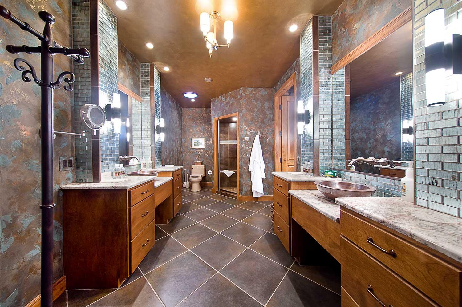 King Lodge Presidential Bathroom