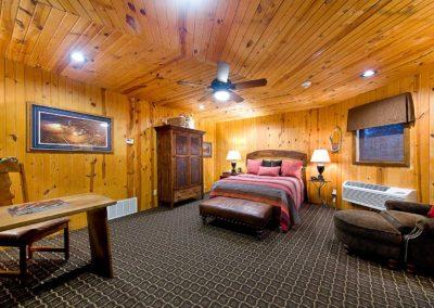 Buffalo Suites Room