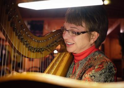 Cheryl and her harp